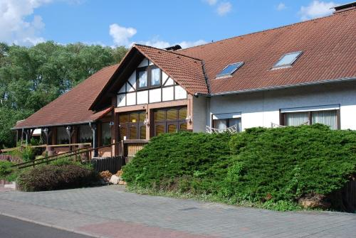 hotels s hrewald und unterkunft in 34320 deutschland. Black Bedroom Furniture Sets. Home Design Ideas