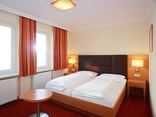 hotels lichtenberg und unterkunft in 4040 4201 sterreich. Black Bedroom Furniture Sets. Home Design Ideas