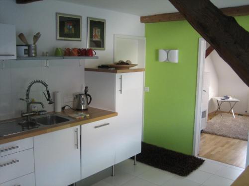 hotels sinsheim und unterkunft in 74889 deutschland. Black Bedroom Furniture Sets. Home Design Ideas