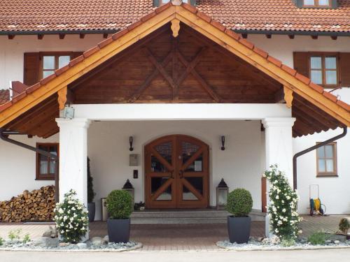 hotels icking und unterkunft in 82057 deutschland. Black Bedroom Furniture Sets. Home Design Ideas