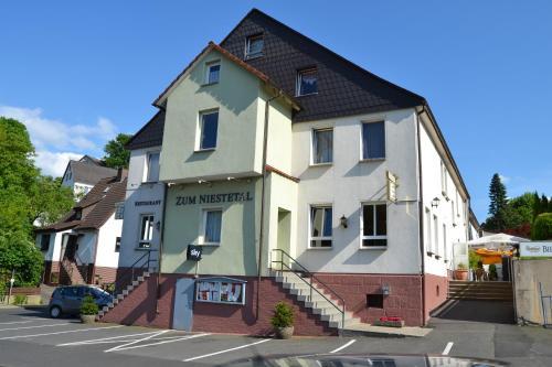 hotels niestetal und unterkunft in 34266 deutschland. Black Bedroom Furniture Sets. Home Design Ideas