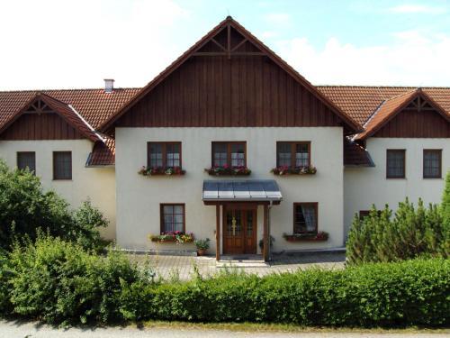 hotels hirschbach und unterkunft in 3942 sterreich. Black Bedroom Furniture Sets. Home Design Ideas