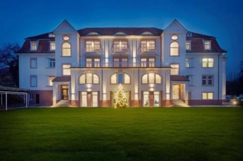 hotels sasbach bei achern und unterkunft in 77880 deutschland. Black Bedroom Furniture Sets. Home Design Ideas