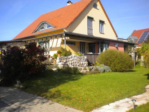 hotels deining und unterkunft in 92364 deutschland. Black Bedroom Furniture Sets. Home Design Ideas