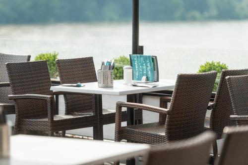 Hotel Cafe Restaurant Rheinterrassen Bornheim