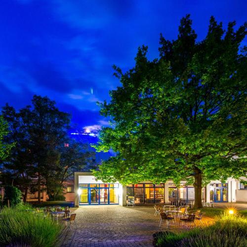 Haus Seeblick Hotel Garni Ferienwohnungen: Hotels Bad Sulza Und Unterkunft In 99518 Deutschland